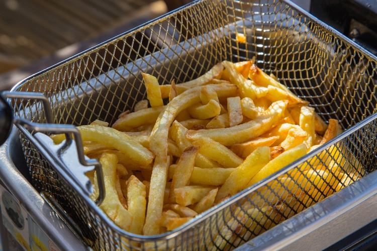 cuisson-frites-dans-friteuse
